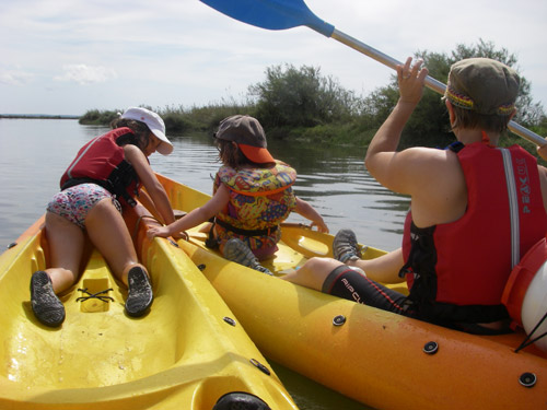 sortie-famille-canoe-kayak-becalou
